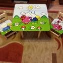 Asztal és szék, Bútor, Baba-mama-gyerek, Asztal, Gyerekszoba, Famegmunkálás, Festészet,  Asztal és szék  Az aukció tárgya 1 db asztal és hozzá 2db szék Fenyő alapanyagból készült egyedi f..., Meska