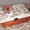Classic teásdoboz, Konyhafelszerelés, Otthon, lakberendezés, Dekoráció, Tárolóeszköz, Régi idők emlékét idézi ez a fa teásdoboz. Belül 6 rekeszes. Dekupázstechnikával készült, festettem,..., Meska