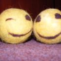 Nemezelt Smiley, Játék, Nemezlabda. Kacsintó. ill. mosolygó Smiley-t ábrázoló labda. Hasznos játékszer gyerekeknek, h..., Meska