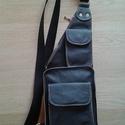 Férfi táska, Táska, Férfi táska, Válltáska, oldaltáska, Bőrművesség, A táskán öt zseb található-. A felső cipzára zseb átéri az egész táskát, továbbá a hátsó részen tal..., Meska