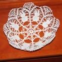 nyuszis kosár, Dekoráció, Fehér horgolócérnából készült tál, mely aljának átmérője 10 cm magassága 6 cm teteje 20..., Meska