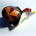 Kakasos tojástartó, Konyhafelszerelés, Képzőművészet, Bögre, csésze, Teljes értékű használati tárgy, kézzel festett egyedi darab. A színtelen, fényes máz alatt oxidokkal..., Meska