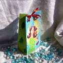 Mesés nagyobbacska tasak, Képzőművészet, Naptár, képeslap, album, Ajándékkísérő, Karácsonyi, adventi apróságok, Mesés nagyobbacska tasak, akvarell mesével díszítve. Az ajándék tasakocskát két méretben készítette..., Meska