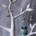 Angyalok párban, Ékszer, Dekoráció, Fülbevaló, Ünnepi dekoráció, Ékszerkészítés, Gyöngyfűzés, Két kis mini angyal fülbevaló párban. Mindkettő kb. 2,5 cm hosszú. Műanyag tekla gyöngyöket talpas ..., Meska