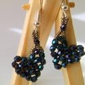 Iris blue mini fülbevaló, Ékszer, Szerelmeseknek, Fülbevaló, Iris blue csiszolt gyöngy kékes, lilás csillogása teszi igazán érdekessé ezt a pici, mini fülbevalót..., Meska