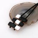 Fekete fehér üveg nyaklánc, Ékszer, Nyaklánc, Medál, Fusing technikával készült nyaklánc. A lánc része is üveg gyöngökből van fűzve. A medál része 3cmx4c..., Meska