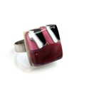 Lilás árnyalatú gyűrű, üvegékszer, Ékszer, Gyűrű,  Többszöri olvasztással, csiszolással készült gyűrű. Mérete: 17mmx19mm. Alapja platinázott fém, így ..., Meska