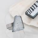 Irizáló ezüst gyűrű, üvegékszer, Ékszer, Ruha, divat, cipő, Gyűrű, Többszöri olvasztással, csiszolással, különleges dicroich irizáló üvegből készült gyűrű. Mérete kb. ..., Meska