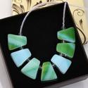 Pasztell zöld üveg nyaklánc, Ékszer, Ruha, divat, cipő, Nyaklánc, Pasztell zöld üveg és színtelen üveggyöngyökből készült ez a nyaklánc. Orvosi fém alkatrészekkel van..., Meska