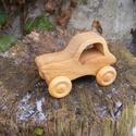 Játék fatraktor, Játék, Fajáték, Platánfából készült traktor. Mérete:11x6.5x5cm, Meska