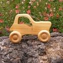 Játék fatraktor, faautó, Játék, Fajáték, Cseresznyefából készült traktor. Mérete:11x6.5x4cm, Meska