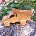 Játék fakocsi, fa autó, teherautó, Játék, Fajáték, Famegmunkálás, Diófából készült fajáték. Színtelen olajjal kezelve. Mérete:15,5x8x6cm, Meska