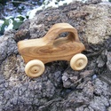 Játék fatraktor, faautó, Játék, Fajáték, Japánakácfából készült traktor. Mérete:11x7.5x5cm, Meska
