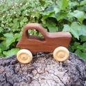 Játék fatraktor, faautó, Játék, Fajáték, Szilfából készült traktor. Mérete:11x6.5x4cm, Meska