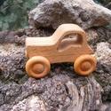 Játék fatraktor, faautó, Játék, Fajáték, Tölgyfából készült traktor. Színtelen olajjal kezelve.  Mérete:12x8x6cm, Meska