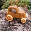 Játék fatraktor, faautó, Játék, Fajáték, Tölgyfából készült traktor. Paraffinolajjal kezelve. Mérete:13x9x6,5cm, Meska