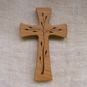 Mintás fakereszt , Mindenmás, Vallási tárgyak, Tölgyfából készült, falra akasztható kereszt. Lombfűrésszel átvágott minta. Mérete:19x12x2cm..., Meska