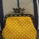 Minnie egér kapcsos tárca, Saját kézzel készített sárga, fehér pöttyö...