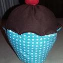 Muffin csokis, Játék, Dekoráció, Édes legyen, de ne hízlalós! Ez a megfelelő választás. A muffin alját mintás pamutvászonból varrtam,..., Meska