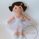 Lotti - balerina baba, Baba-mama-gyerek, Játék, Gyerekszoba, Baba játék, Textilből készült balerina baba. Megtámasztva áll, ül, támasztás nélkül spárgát csinál...., Meska