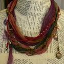Seherezádé meséje 1, Ékszer, Nyaklánc, A sál-nyakláncot többféle vékony sálból, vörös csavart zsinórból állítottam össze, a d..., Meska