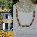 Provence, Ékszer, Nyaklánc, A nyaklánc  a narancsos telt napsütötte színeivel, a világoskék ,.- a zsalugáterek sajátos kopottas ..., Meska