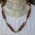 Századeleji romantika, Ékszer, Nyaklánc, A nyaklánc szemeit  rusztikus textil felhasználásával készítettem, hímzéssel díszítettem. ..., Meska