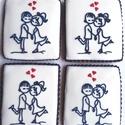 Szerelmes mézeskalács csomag :-), Férfiaknak, Képzőművészet, Hagyományőrző ajándékok, Mézeskalácssütés, A csomag tartalma: 4 db mézeskalács, vonalemberkés szerelmespár dekorációval. Sötétkék - piros vagy..., Meska