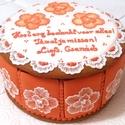Mézeskalács sütisdoboz csomag, Esküvő, Mindenmás, Nászajándék, Meghívó, ültetőkártya, köszönőajándék, Mézeskalácssütés, Mézeskalács sütisdoboz - tele mézeskaláccsal :-)  Igazán egyedi, személyre szabható mézédes ajándék..., Meska
