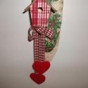 Madárházas kopgtató, bordó, Dekoráció, Karácsonyi, adventi apróságok, Karácsonyi dekoráció,   Különleges természetes hatású kopogtatót készítettem, bordó kockás madárházikóval.  A..., Meska
