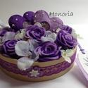 Levendulás rózsák -virágdoboz szívekkel, Romantikus vagy és szereted a lilát? Itt a te cs...