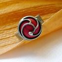 Howlit gyűrű, Ékszer, Gyűrű, Ékszerkészítés, Fémmegmunkálás, Saját tervezésű egyedi kézműves alkotás.  A gyűrű Tiffany technikával készült festett howlit és ólo..., Meska