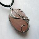 Rózsakvarc medál, Ékszer, Medál, Nyaklánc, Saját tervezésű egyedi kézműves alkotás.  A medál Tiffany technikával készült rózsakvarc  és ólommen..., Meska