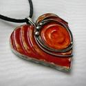 Kerámia szív medál, Saját tervezésű egyedi kézműves alkotás.  A ...