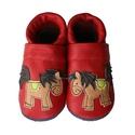 Bőr puhatalpú babacipő - Lovacskás / Piros, Baba-mama-gyerek, Ruha, divat, cipő, Gyerekruha, Baba (0-1év), Teljesen bőr babacipő, mely ideális a járni tanuló babáknak, vagy nagyobb gyermekeknek.  15-26-os mé..., Meska