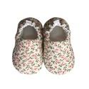 Virágmintás - Hordozós pamutcipő, Baba-mama-gyerek, Ruha, divat, cipő, Cipő, papucs, 16-19-es méretben rendelhetők a cipőcskék, kívül-belül pamutból készülnek, illetve a két réteg közé ..., Meska