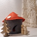 Gombaház és lakói-gyapjú filc és fa - fejlesztő játék, A kis gombaházikó lakói is várják a karácson...