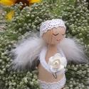 Karácsonyi Angyalka  vagy Virág Tündér -  fából és csipkéből- toll szárnyakkal, A fából készült kis figurát csipke ruhába ö...