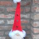 A télapó manója, Dekoráció, Ünnepi dekoráció, Karácsonyi, adventi apróságok, Karácsonyi dekoráció, Kötés, Télapó sapkás kézzel kötött karácsonyi manó.  Sapkája gombokkal és hatalmas pomponnal díszítve.A be..., Meska