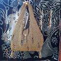 Óarany kötött táska, Táska, Válltáska, oldaltáska, Szatyor, Vintage stílusú alkalmi öltözet kiegészítője éppúgy lehet ez az óarany színű kézzel kö..., Meska