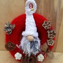 Karácsonyi ajtódísz manóval - piros, Otthon, lakberendezés, Dekoráció, Karácsonyi, adventi apróságok, Ajtódísz, kopogtató, Ünnepi dekoráció, Kötés, Kipp-kopp, ki kopog? Vagy inkább csilingel?  Nem egyszerűen ajtódísz, hiszen egy igazi karácsonyi m..., Meska