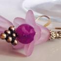 Harangvirág, Ékszer, óra, Esküvő, Fülbevaló, Esküvői ékszer,  Halvány lila akril harangvirágot díszítettem sötétebb lila sárkány achát gyönggyel, és szőlőfürtöt ..., Meska