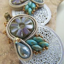 Romantikus füli, Ékszer, óra, Fülbevaló, Dekoratív fülbevaló egy kis sújtással, szép részletekkel. , Meska