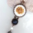 Barna rózsás medál nyaklánc  - fehér,  bronz, fekete, Különleges, aprólékos és gondos munkával ké...
