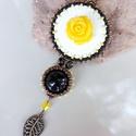 Sárga rózsás medál nyaklánc  - fehér,  bronz, citrom, fekete, Különleges, aprólékos és gondos munkával ké...