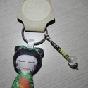 Gésa kulcstartó gyöngyökkel díszítve (zöld), Dekoráció, Mindenmás, Kulcstartó, Dísz, Ezt a kedves kulcstartót filcanyagból készítettem. Színében illő fonallal öltöttem össze, ..., Meska