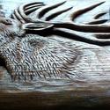 Szarvasbika , Dekoráció, Mindenmás, Dísz, Famegmunkálás, Szobrászat, 45 x 32 cm. Domború faragási technikával készült. Alapanyaga: kőris, felületkezelése vizes pác, len..., Meska