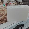 Kecsketejes szappan (5+1 akció), Szépségápolás, Szappan, tisztálkodószer, Natúrszappan, Szappankészítés, Mézes kényeztetés felnőtteknek és gyerekeknek egyaránt. Ebben a szappanban az értékes hatóanyagok m..., Meska