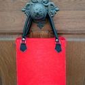 Piros filctáska, Táska, Válltáska, oldaltáska, 3mm vastag, 40% gyapjú 60%polieszter tartalmú filcből készítettem ezt a táskát. Jó minőség..., Meska
