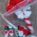 Menyasszonyi csokor , Esküvő, Esküvői csokor, Szatén szalagból készült menyasszonyi csokor szett, mely nem hervad el. 30 cm széles,29 cm magas, 5-..., Meska